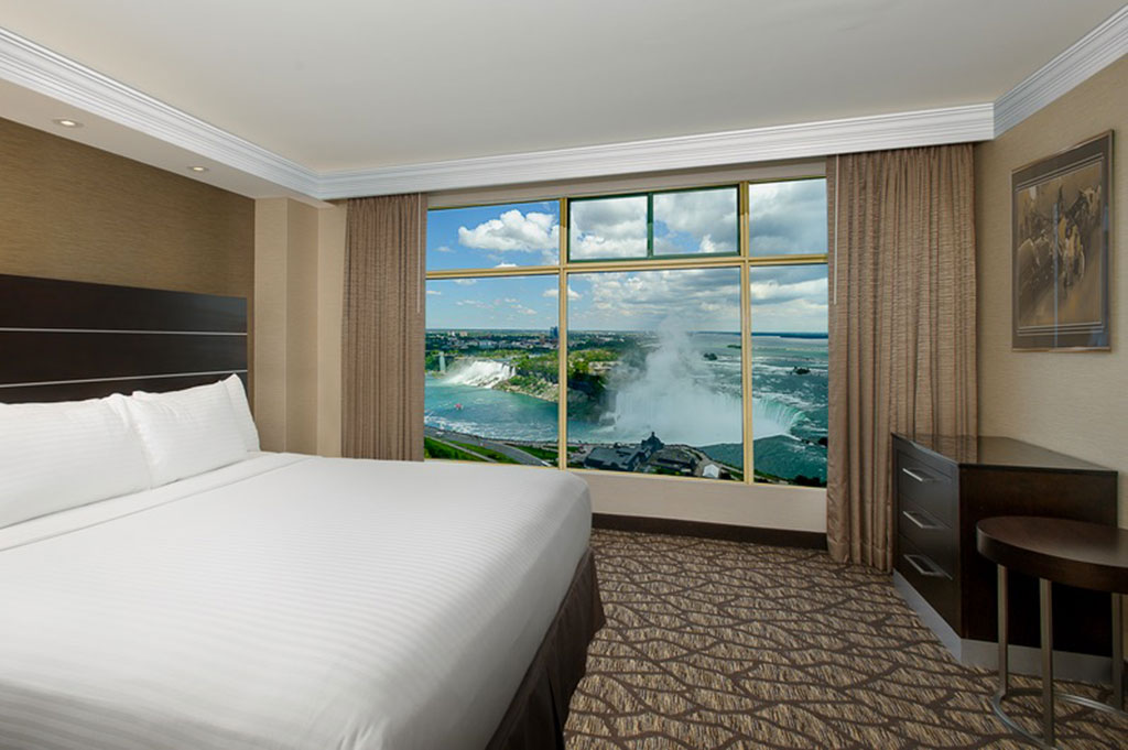 King Luxury Fallsview Suite